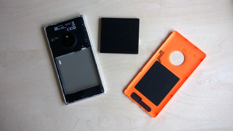 Lumia 830 mit Akku, Wechselcover mit wireless charging