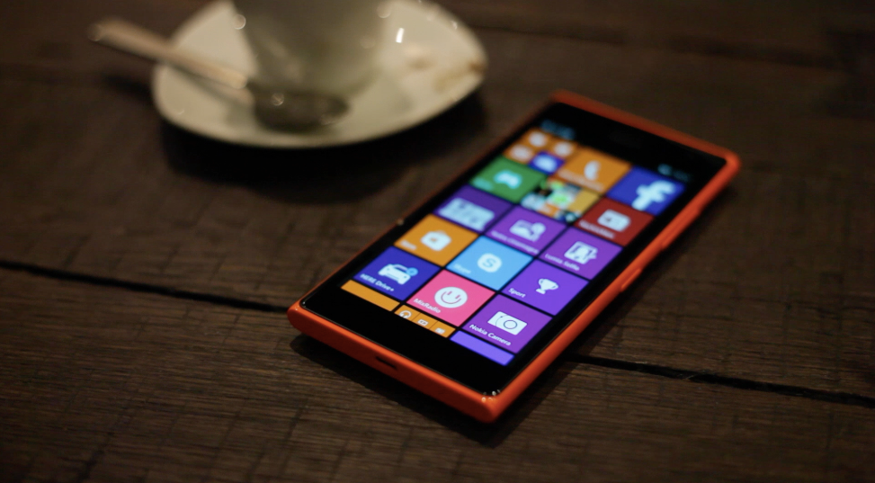 Lumia_735_Review