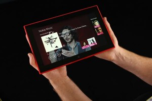 nokia-lumia-2520-hands-on-01