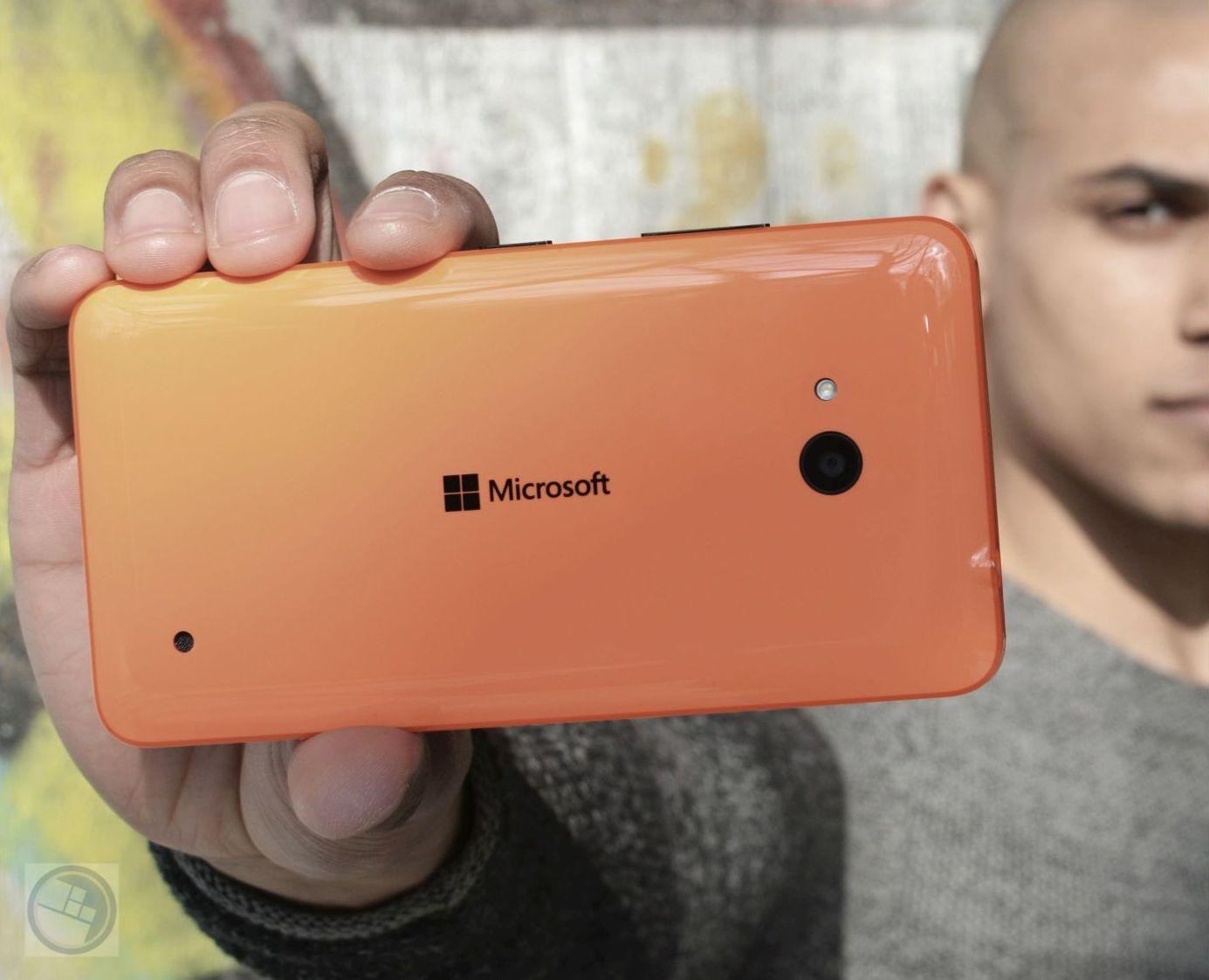 Lumia 640 orange 02