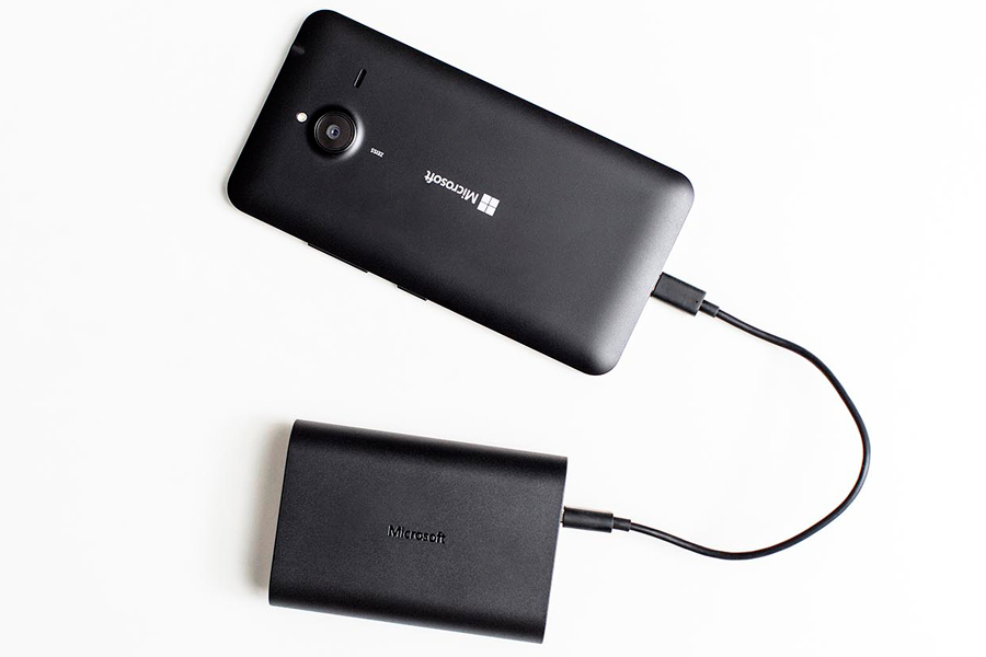 Microsoft-Portable-Dual-charger_Lumia-640-XL