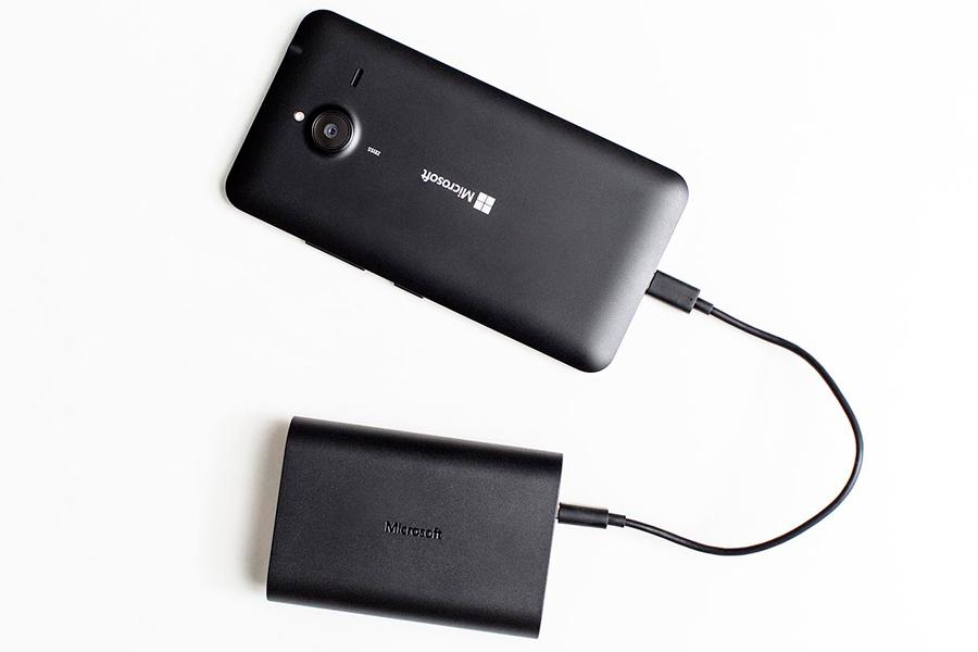 Microsoft-Portable-Dual-charger_Lumia-640-XL