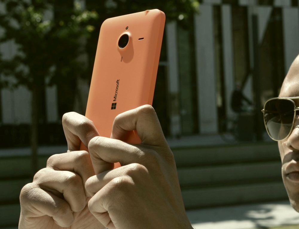 Lumia 640 XL orange