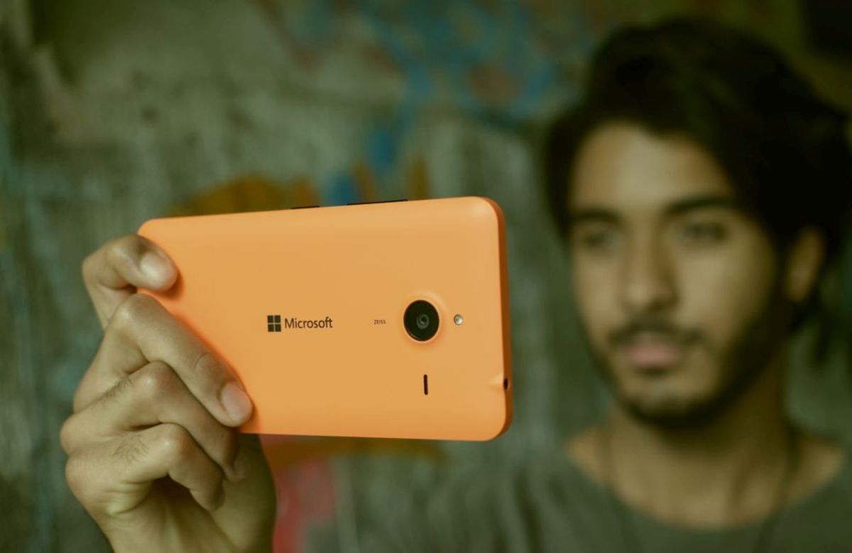Lumia640XLOrange2