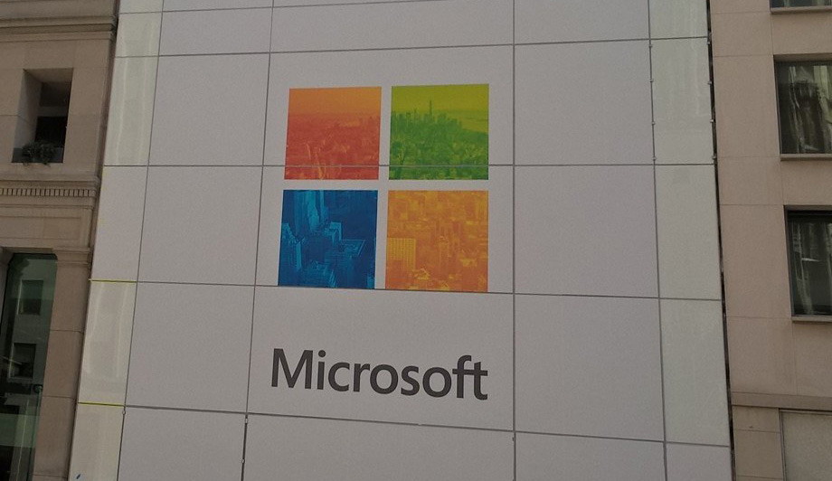 Microsoft-flagship-store-banner