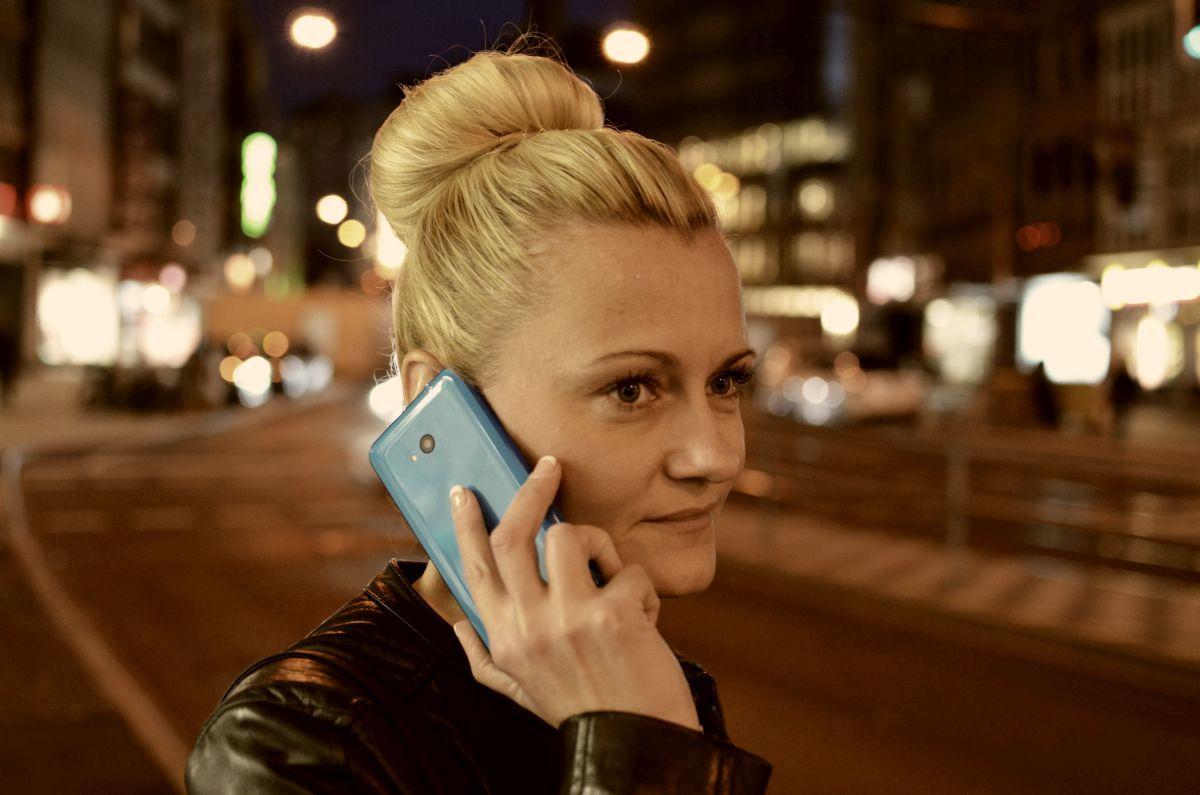Lumia640blau2