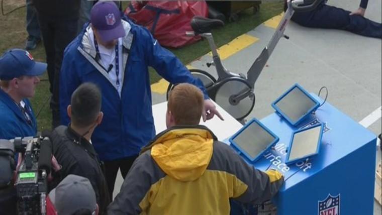 Surface-Tabletts sorgen für Ärger während NFL-Spiel.