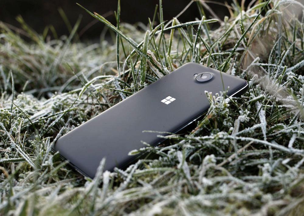 Lumia650 01