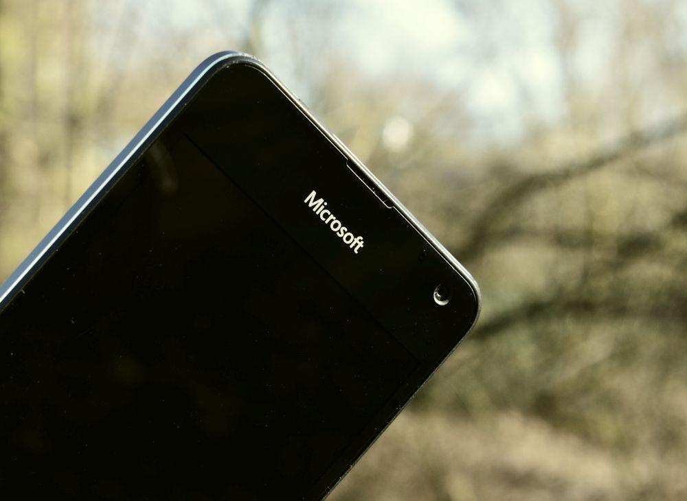 Lumia650 03