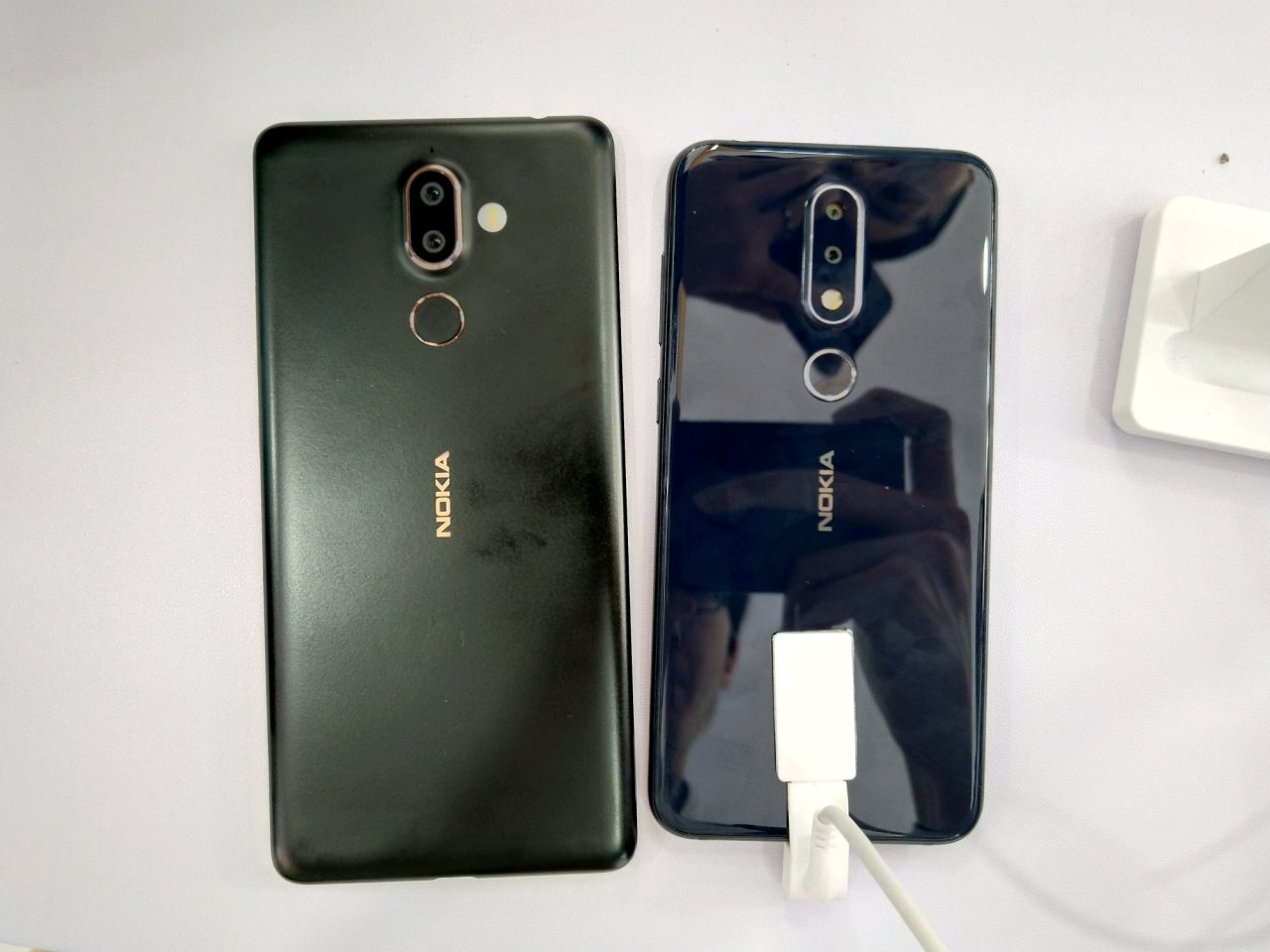 Nokia x6 vs Nokia 7 Plus 1