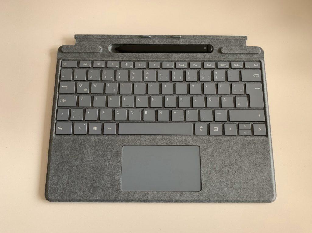 Signature Keyboard und Slim Pen